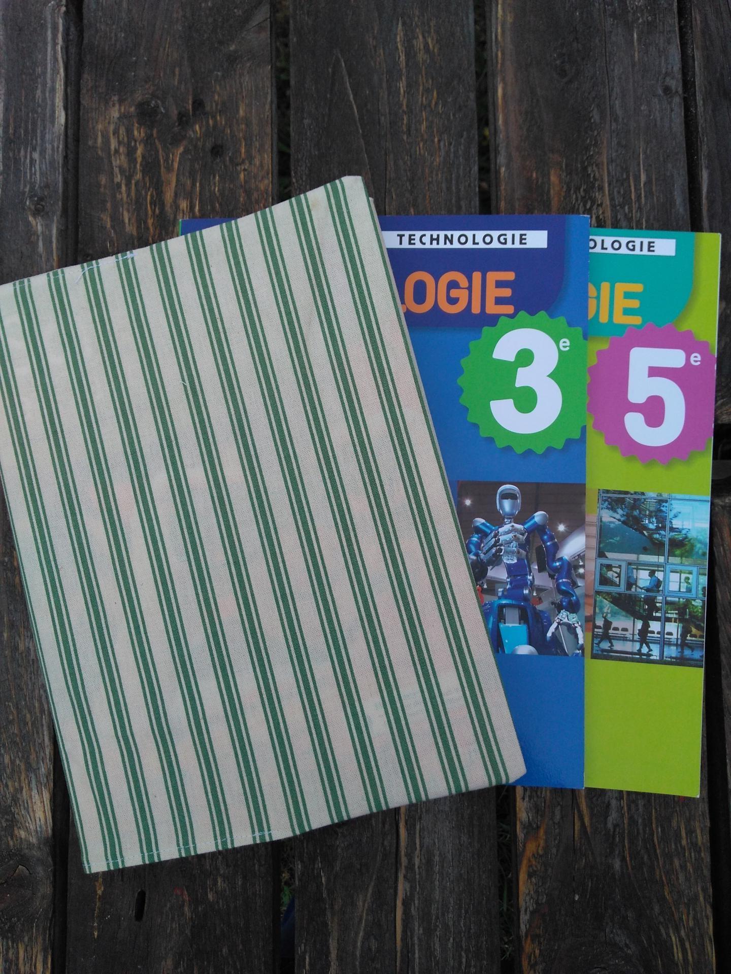 protège livre en tissu