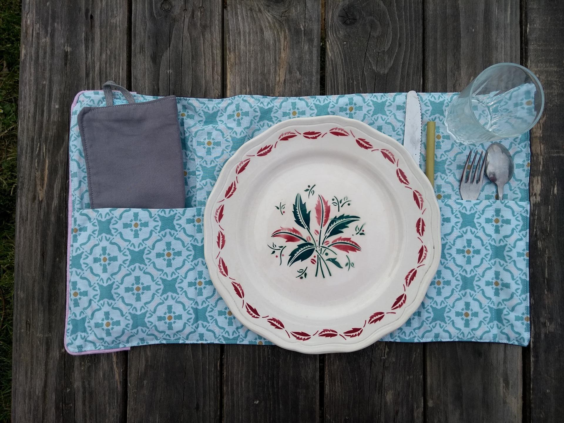 set de table avec assiette
