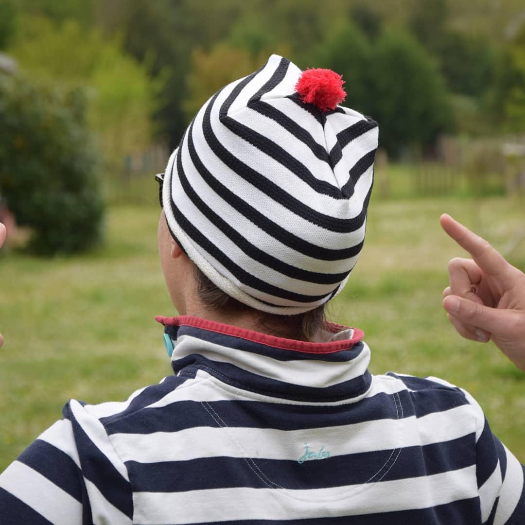 bonnet de bloc marinière pompon
